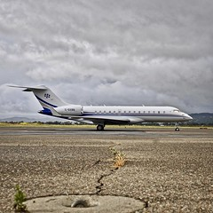 2007 Bombardier Global Express BD-700-1A11 6000 C-GXBB c/n 9218 at Livermore Airport California 2019. (17crossfeed) Tags: bombardier global6000 cgxbb 9218 livermoreairport lvk globalexpress airport aviation aircraft airplane flying flight 17crossfeed claytoneddy landing pilot planes planespotting plane tower takeoff taxi airshow