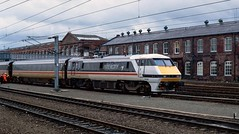91 010 crew training at Doncaster. 1989. (Marra Man) Tags: doncasterstation doncasterwestsidings class91 91010
