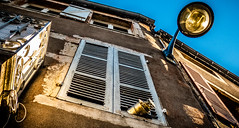 Nuits St Georges Looking Up (DXW1978) Tags: nuits saint st georges town france french buildings architecture evening sun sunlight