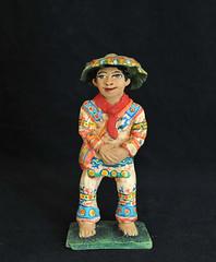 Huichol Man Figure Pottery Oaxaca Mexico (Teyacapan) Tags: mexican pottery ceramics artesanias aguilar huichol hombre man trajes ocotlan oaxacan