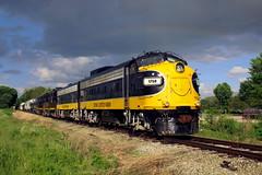 Under the Rainbow (wras23) Tags: keokukjunction kjry fp9 1750 mapleton illinois railroad train rainbow