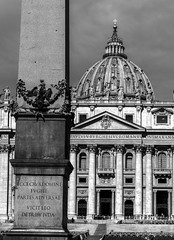 Obelisk of St Peter's Square (wooiwoo) Tags: bw cross dome monochrome obelisk rome2019italy stpetersbasilica stpeterssquare holy see seeofrome theholysee sanctasedes