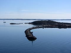 fotö (helena.e) Tags: helenae fotö påsk husbil rv motorhome älsa water vatten båt boat segel
