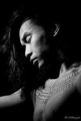 Portrait (arrif-mehdi) Tags: origine culture asie asian asiatique asiatic cambodge cambodgien chine chinois modele tatouage portrait emotion humain meh photographie beautiful amazing cheveux longs homme 2019 peace paix instant regard look eyes bridés yeux garçon pose pause noir et blanc studio fondd model