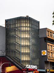 20190516-073 (sulamith.sallmann) Tags: architektur bauwerk berlin deutschland europa gebäude mitte müllerstrase stufen treppe treppen treppenhaus wedding sulamithsallmann