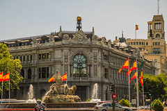 FUENTE DE CIBELES-Madrid (FRANCISCO DE BORJA SÁNCHEZ OSSORIO) Tags: flag spain españa exposure enfoque encuadre exposicion fuentedecibeles madrid moment love light luz life lovely amor arrow autumn otoño instant instante invierno winter passion photo pasión primavera photostreet spring summer shot streetphoto street verano vida flechazo focus focuspoint foco framing color colour composition composición colourtemperature timeexposure tiempodeexposición temperaturadecolor bokeh beauty belleza nature naturaleza nice detalles detalle detail details desenfoque disparo delicado divertido delicate dof depthoffield
