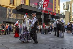 Madrid...Madrid....Madrid.... (kike.matas) Tags: canon canoneos6d canonef1635f28liiusm kikematas madrid plaza retrato baile ciudad capital españa pareja chotis paisaje urbana lightroom6