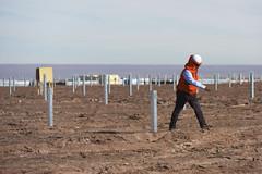 Foto6 (Intendente de Tarapacá) Tags: intendente quezada y ministra de energía participaron en la instalación los 1ros paneles fotovoltaicos granja solar 22052019