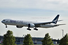 """Cathay Pacific B-KQL Boeing 777-367ER cn/41431-1164 painted in """"Oneworld"""" special colours 04-2019 @ EGLL / LHR 16-05-2019 (Nabil Molinari Photography) Tags: cathay pacific bkql boeing 777367er cn414311164 painted oneworld special colours 042019 egll lhr 16052019"""