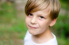 (Janine en Ron) Tags: 7yearold boy jongen browneyes child childhood fun kid outdoors portrait portret