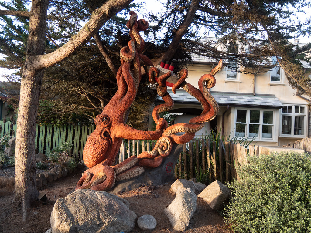 Bad Day on the S.S. Normandie, Griffon Ramsey, 2017, tree sculpture