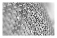 Macro Mondays : Mesh (Tostaky2) Tags: macro mesh droplet goutelette eau goutte minimalism minimalisme macromondays