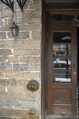 850_1239.jpg (Snapping Beauty) Tags: wood years alexandriava fixtures abstract day background nopeople textures virginia 2018 brick clean things vertical places door old esp