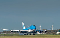 KLM Cargo 747 landing at Schiphol (Simple photo - Holland) Tags: nederland netherlands nederlands dutch holland simpelfoto schiphol klm vracht freight cargo boeïng vliegtuig airplane eendracht martinair b747 b744 b74f 747 aviation jumbo heavy huge landing ochtend morning grasland grassland wolken clouds zon sun schaduw shadow weg road landschap landscape scene lucht sky d750 nikon