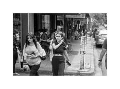 Newtown, Sydney 2019  #711 (lynnb's snaps) Tags: tmaxdeveloper bw film leicaiiic leicafilmphotography leitzelmar5cmf35ltm ilfordhp5 street people blackandwhite bianconegro biancoenero blackwhite bianconero blancoynegro noiretblanc schwarzweis ishootfilm barnack rangefinderphotography rangefinderforum sydney australia 2019 elizastreetnewtown cafes
