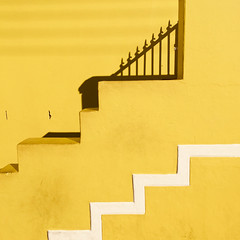 stepped in gold (gil walker) Tags: chiappinistreet bokaap