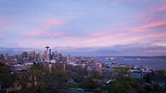 Seattle, Washington (ericneitzel) Tags: california unitedstates ericneitzel ericthomasneitzel ericthomasneitzelphotography erictneitzel etneitzel seattle washington city skyline pnw pacificnorthwest kerrypark queenannehill beautiful sunset goldenhour pinksky