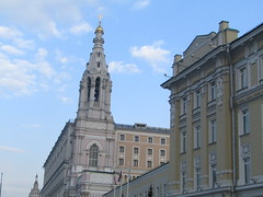 buildings and bell-house between them (VERUSHKA4) Tags: canon russia europe moscow capture sky ciel bellhouse perspective vue view cloud march spring pink springtime building decor architecture window irondetail hccity centre outdoor street quai fenetre decoration roof gold blue dome croix religion