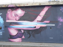681 (en-ri) Tags: f droufla rosa azzurro blu ragazza girl torino wall muro graffiti writing