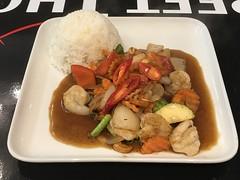 (John D McDonald) Tags: belfast northernireland ni ulster geotagged iphone appleiphone iphone7plus appleiphone7plus food thaifood thai streetthai