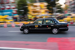 Cab at Shibuya Crossing (polychromatisch) Tags: japan sony alpha 7r3 7riii alpha7riii 35 35mm 28 f28 sel35f28z tokyo shibuya crossing scramble cab taxi panning