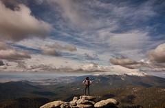 Sierra de Madrid (JaviJ.com) Tags: mountains landscape portrait retrato man hombre person sky blue clouds rocks mochila bag sierra de guadarrama madrid segovia 7 picos siete montañas cima paisaje cielo nubes azul arboles nature naturaleza