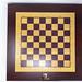 Ansicht von oben des gesamten batteriebetriebenen Schachbretts aus Holz von Square Off, spielbar gegen künstliche Intelligenz