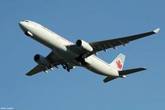 pl02juin18aca33013 (lanpie012000) Tags: montreal montréal yul cyul aircanada airbusa330343 cgfah fin932