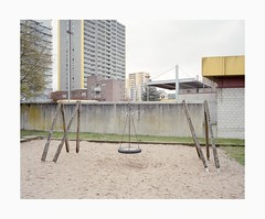 Chorweiler, 2019 (Darius Urbanek) Tags: 120 6x7 cologne germany kodak köln chorweiler mamiya7 portra400 analog architecture brutalism color concrete film mediumformat playground
