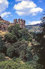 Saint-Julien-d'Arpaon, Les Cévennes (jacqueline.poggi) Tags: châteaudemontcalm cévennes france lozère occitanie saintjuliendarpaon architecture château châteaufort fortifiedcastle
