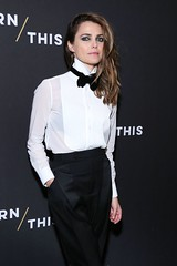 Keri Russell 1 (Female CelebriTIES) Tags: fashion moda shirt chemise camisa camicie camicia collar cuello knot nudo menswear masculina masculine femenina feminine mujer chick women mulher frauen fille chica suited suit traje trajeada encorbatada de con tie bowtie lazo bond pajarita smoking shoes elegante sexy botones encamisada lips labios retrato femme lady formalwear style estilo beauty smart black negro white blanca actress actriz female pants pantalon pantalones trousers with keri russell actrice make up maquillaje