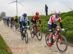 le Paris Roubaix sur les pavés (louis.labbez) Tags: saintpython nord france parisroubaix race course cyclisme cycliste coureur labbez pavé campagne countryside