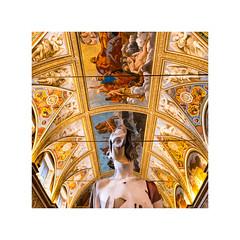 Statua lignea di Gehard Demetz (Luca Cesari) Tags: mantova gonzaga palazzoducale sony sonya7rii zeiss batis 18mm italia italy geharddemetz stanzadeglispecchi