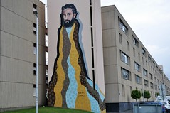 Famalicão (Portugal) - street art (jaime.silva) Tags: famalicão acasaaolado portugal portugalia portugalsko portugália portugalija portugali portugale portugalsk portogallo portugalska portúgal portugāle painting paint albertosampaio spraypaint spraypainting muralpainting spray mural pinturamural streetart streetartist street graffiti graf urban urbanart arteurbana