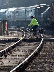 sjb-railway-crossing.jpg (Stephen.Bingham) Tags: bristol bristolandbathrailwaypath bike levelcrossing avonvalleyrailway railway ccbysa creativecommons attributionsharealike