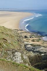 Normandie 2016 / Normandy 2016 (Joseff_K) Tags: beach plage rock rocher sand sable cliff falaise normandie normandy cotentin mer sea lamanche manche thechannel channel ciel sky nikon nikond80 d80 tamron tamron1750f28 highangleshot plongée