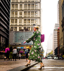 The New Yorkers - Broadway Sidewalk (François Escriva) Tags: street streetphotography us usa nyc ny new york people candid olympus omd photo rue sun light woman colors sidewalk manhattan dress green buildings bag pink bond beautiful cute shoes