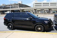 Philadelphia Police Ford Explorer (Unmarked) (mattman747) Tags: philadelphia police ford explorer unmarked international airport suv pa pennsylvania