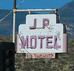J P (jimsawthat) Tags: vintagemotel motel metalsign neon vintagesign smalltown globe arizona