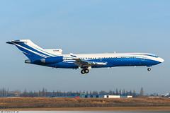 Boeing 727-200 Starling Aviation M-STAR (Clément W.) Tags: boeing 727200 starling aviation mstar lbg lfpb