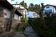 Etxalar ⛰🌿✨ | #SpringBreak (Shall_) Tags: nafarroa navarra etxalar norte paísvasco euskalerria semanasanta springbreak rural verde agua