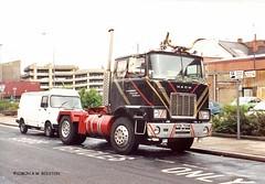 HULL 130688 FDN755W (SIMON A W BEESTON) Tags: hull queenstreet mack fdn755w