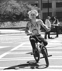 Urban biker (tvdflickr) Tags: man boy bicycle street streetphotography georgia atlanta atlantageorgia nikon d850 nikond850 tattoo hat shirt thomasdriggersphotography photobytomdriggers photographybythomasdriggers happy weird unusual