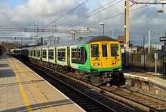 319216 Watford Junction (CD Sansome) Tags: london midland watford junction station train trains wcml west coast main line 319216 319