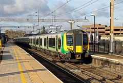 350258 350247 Watford Junction (CD Sansome) Tags: london midland watford junction station train trains wcml west coast main line 350258 350247 350 desiro