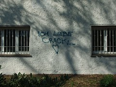 crack me up (mkorsakov) Tags: dortmund unionviertel westpark graffiti wand wall tagging parole slogan schatten shadow