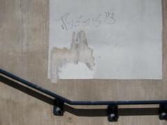 Fresko / Fresco (bartholmy) Tags: hartford easthartford ct wandbild mural graffiti tag übermalt übermalung overpainting buffing buffed beton concrete schlieren geländer handlauf railing minimal minimalism minimalismus minimalistisch abstrakt abstract
