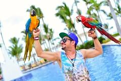 Punta Cana MIRONIS 😎  WILBER MIRON  Puntacana#minancyta#lamejor#theparadise#enelparaiso#felices#rd#republicadominicana#mironis#viviendo#marcanthony#wilbermiron#sonmiron#salcoatitan#salvipride#salvadoreño#losangeles#valentinesday (wilber.miron) Tags: salvipride sonmiron salcoatitan losangeles enelparaiso salvadoreño minancyta theparadise felices wilbermiron mironis rd marcanthony lamejor viviendo valentinesday republicadominicana