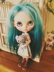 """Kira 💙💚 • <a style=""""font-size:0.8em;"""" href=""""http://www.flickr.com/photos/51163206@N07/46720204785/"""" target=""""_blank"""">View on Flickr</a>"""