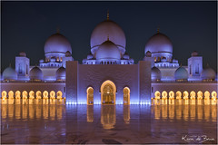 Sjeik Zayed Mosque (karindebruin (OFF FOR A WHILE)) Tags: uae unitedarabemirates abudhabi mosque sjeikzayedmoskee moskee reflection reflectie koepels dome symmetrical symmetrisch